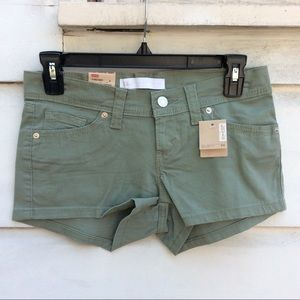 New Levi's olive green stretch shortie shorts 1/25